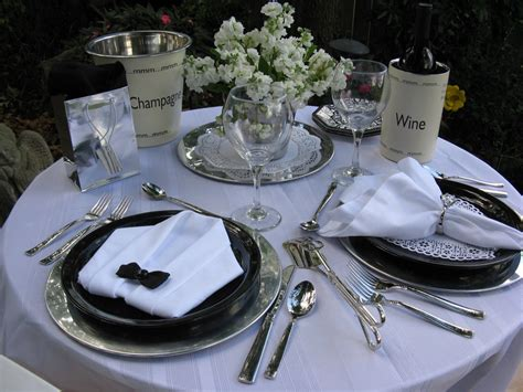 dinner table setting images