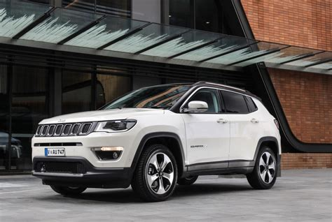 new jeep 2018 compass all new 2018 jeep compass lands in australia forcegt