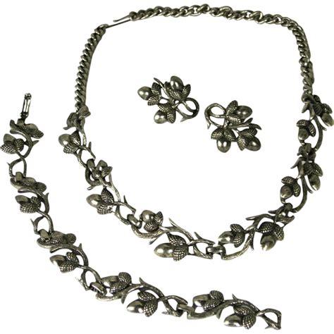 vintage coro pegasus acorn necklace bracelet earrings