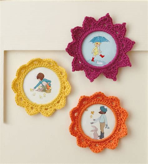 crochet frame pattern free free picture frame patterns simply crochet