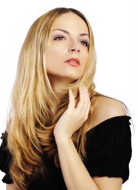 foto model rambut segi layer panjang