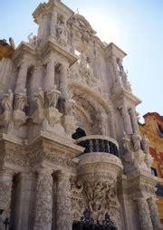 Arquitectura Sevilla #2: 180px-San_telmo_detalle_portada.jpg