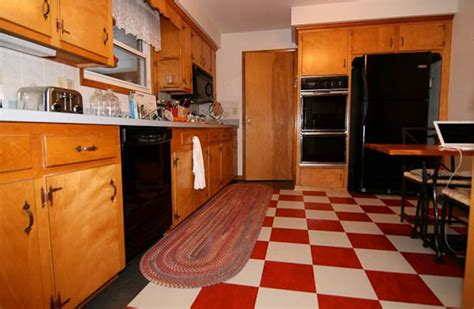 How To Repaint Kitchen Cabinets White A 1965 Kitchen Updated With Red Checkerboard Linoleum