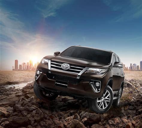 Aerokitz Aksesoris Toyota All New Fortuner Sporty Style Rear toyota launches all new fortuner in dayofdubai
