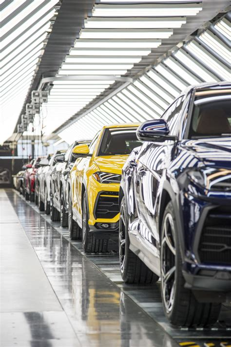 lamborghini factory how lamborghini brought the urus to life with vr robots