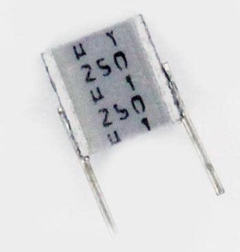 capacitor mkt code 0 1uf 250v mkt polyester box capacitor b32560j3104j epcos west florida components