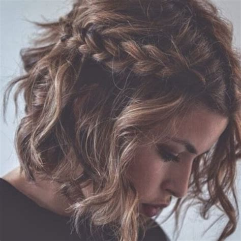 ravishing short hairstyles  curly hair hair motive