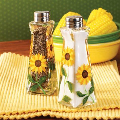 Decorating Ideas Sunflower Yellow Kitchen Sunflower Salt And Pepper Shakers Walter