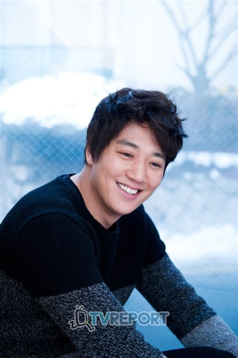 film terbaru kim rae won kim rae won ends contract with agency hancinema the