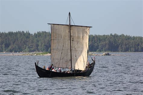 pictures of old boats file old boat helsinki 2 jpg wikimedia commons