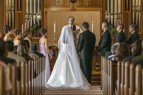 pros and cons of religious weddings