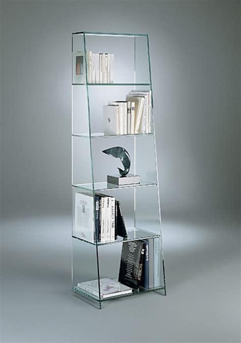 Regal Dreieck by Dreieck Design Tourelle Vitrinen Regale Goodform Ch
