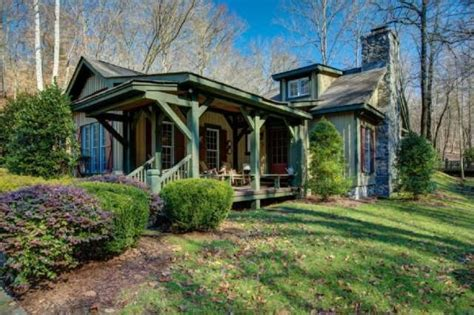 miranda lambert house a farm of miranda lambert s own near nashville zillow porchlight
