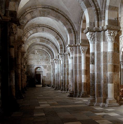 v 233 zelay the earliest part is romanesque style with
