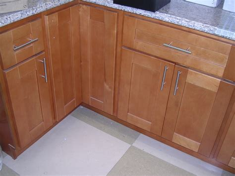 rta cabinet broker 1r honey maple shaker 908 kitchen