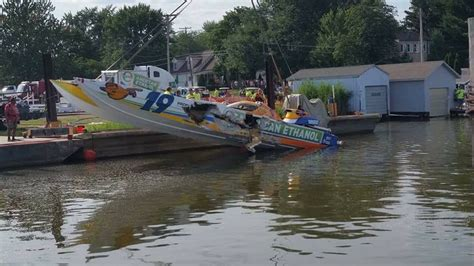 st clair boat accident keith holmes is killed in crash at michigan powerboat race