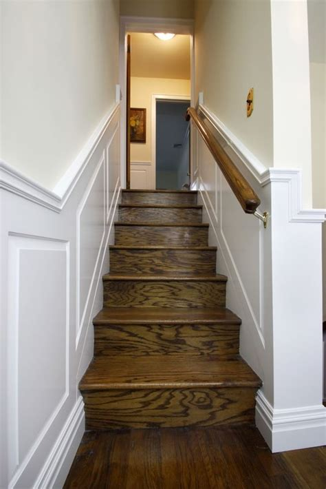 Raised Panel Wainscoting Diy by Raised Panel Wainscoting 2 Entrance Wainscoting