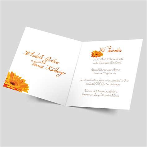 Hochzeitseinladung Orange by Hochzeitseinladung Gerbera Paar In Orange