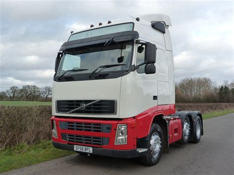 volvo fh13 volvo fh 13 440 6 x 2 globetrotter tractor unit
