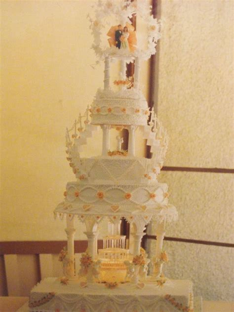 Wedding Cake With Stairs by 26 Best Wedding Cakes With Fountains And Stairs Images On