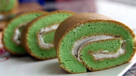 buat kue bolu gulung cara membuat kue bolu enak dan empuk jurnal media indonesia