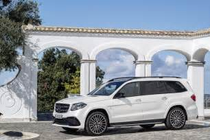 Gls Mercedes Suv 2017 Mercedes Gls Is The S Class Of Suvs Replaces Gl