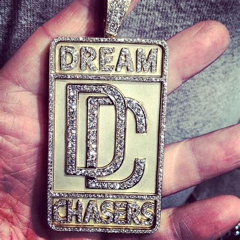 meek mill gets a dreamchasers chain made splashy splash
