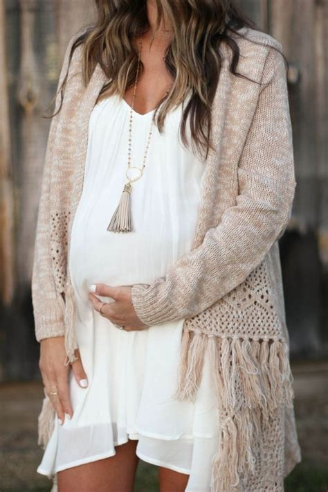 How To Dress For My Baby Shower by What To Wear To A Baby Shower 36 Ideas To Be Comfortable
