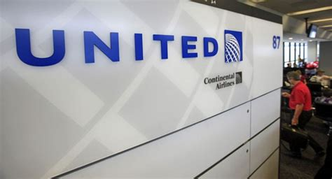 United Continental Holdings Mba Internship by United Continental Narrows Loss On Higher Airfares Lower