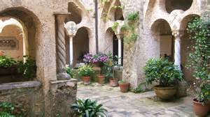 what is a courtyard file villa cimbrone courtyard jpg wikipedia