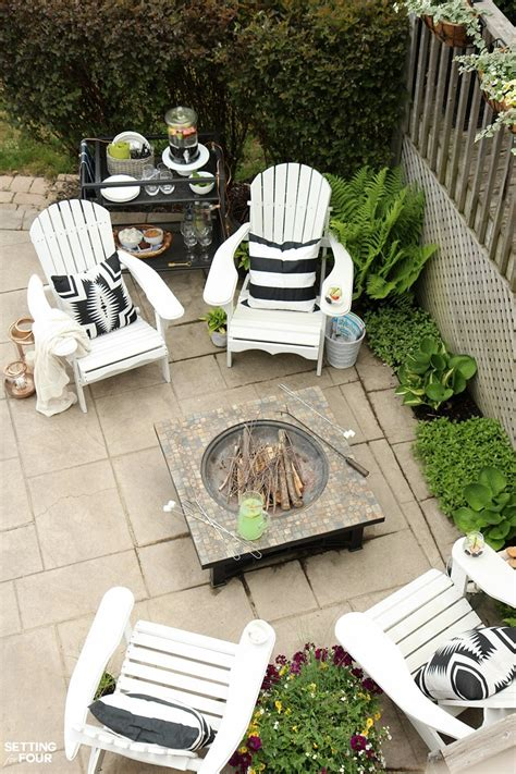 simple summer pit seating area setting for four