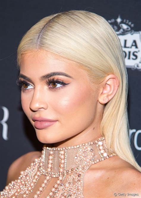 kylie jenners biggest hair transformations