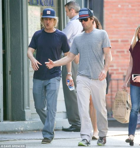 luke wilson golf shirt owen wilson bonds with brother luke amid father s