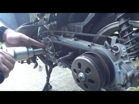 Drive Belt With Roller Brt Vario 125 Fi changing the cvt belt and roller replacement on a sym h