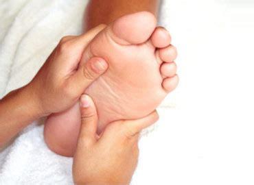 imagenes masajes relajantes pies masaje relajante para tus pies u 209 as manicure y pedicure