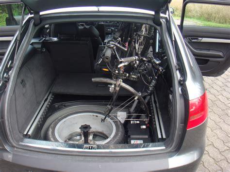 Fahrradhalterung Am Auto by Bild 8 Fahrrad Ohne Fahrradhalter Im Auto Transportieren