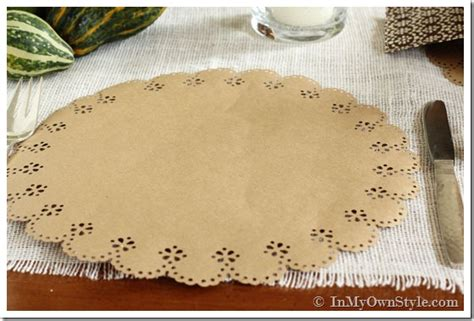 How To Make A Paper Placemat - placemats made with martha stewart crafts circle
