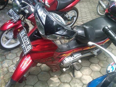 koleksi modifikasi motor jupiter   warna merah
