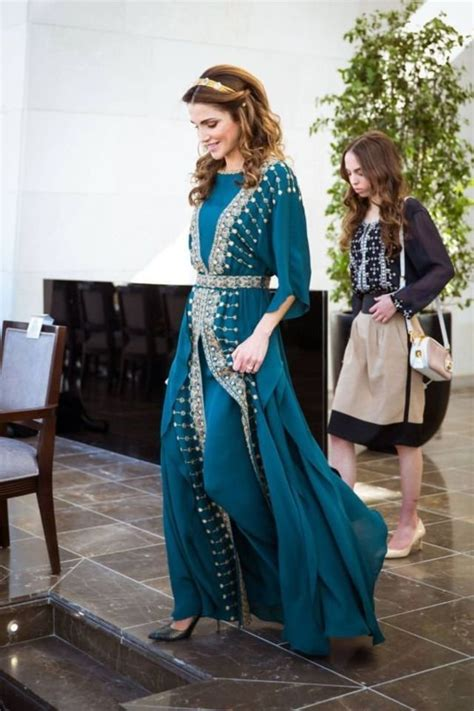 Rania Wardrobe by Rania Shows You Six Royal Approved Looks To Wear In