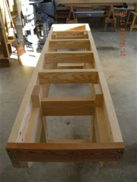 shaped workbench design woodworking projects plans