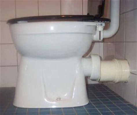 hangend toilet afvoer lekt toilet toiletpot wc