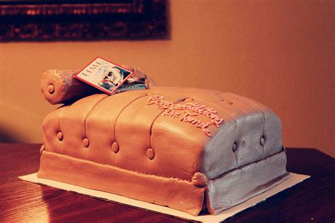 freudian couch freudian couch cake cakecentral com