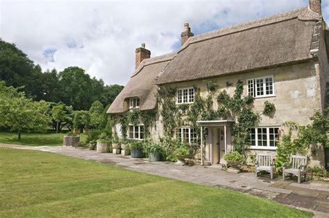 Comment Renover Un Escalier 3020 by En Angleterre Un Cottage Vraiment Quot Cosy Quot Maison Cr 233 Ative