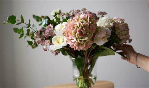 send flowers and gifts to singapore using local flower how to nail mother s day in singapore feasts and treats