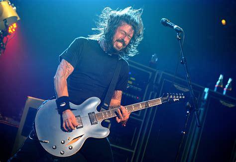 Kaos Band Rock Foo Fighters Wasting Light Foo26 Bk nme awards 2011 show