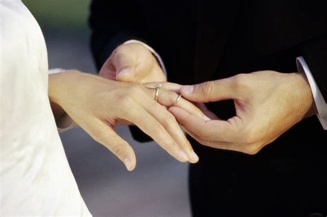 moving your wedding ring to your right hand wearing two rings articles easy weddings