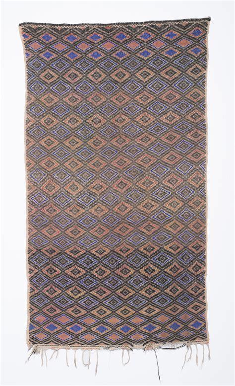 rug rental nyc vintage peruvian rug cp017