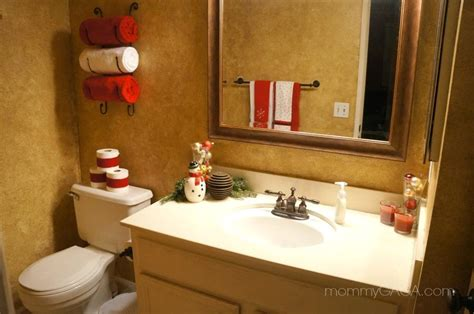 Decorations For Bathrooms | simple holiday home christmas decorating ideas for the guest bathroom honey lime