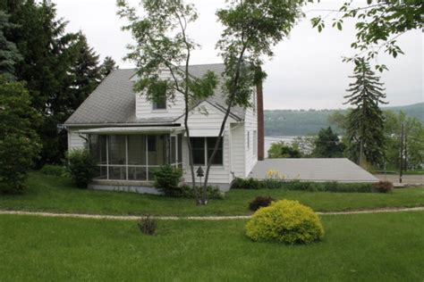 Cottage For Sale by The Most Cozy Cottage For Sale On Seneca Lake