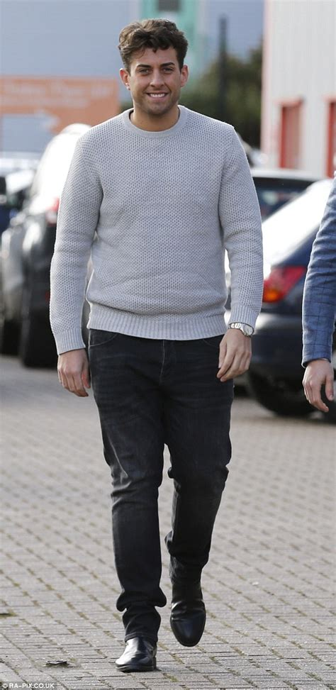 Vic Set 2in1 Jumper Sporty arg argent displays slimmed physique with pal mallet daily mail